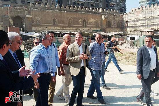 النائب محمد أبو حامد يشارك في افتتاح ترميم مسجد الظاهر بيبرس (8)