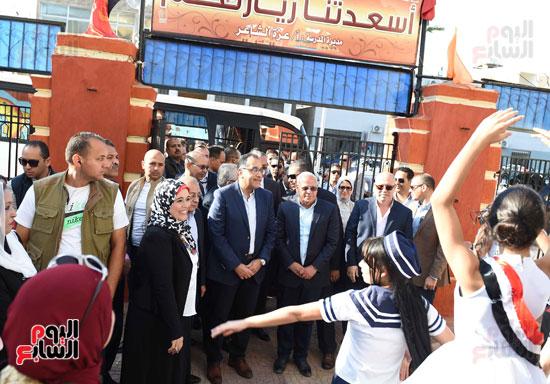 جولة رئيس الوزراء فى بورسعيد لتفقد عدد من المشروعات  (6)