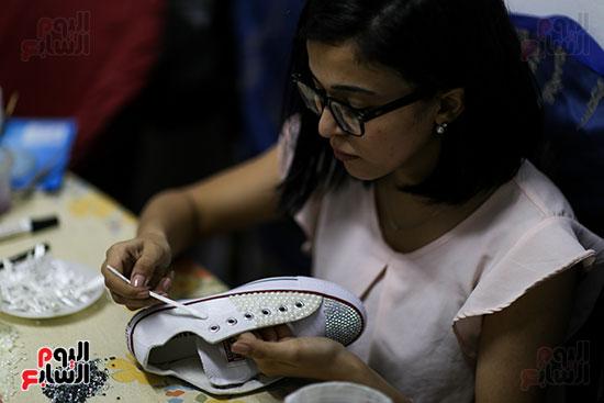 بسمة تحول الكوتشيال لأحذية فرح