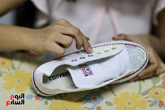 خلال تحويل الكوتشى لحذاء الفرح