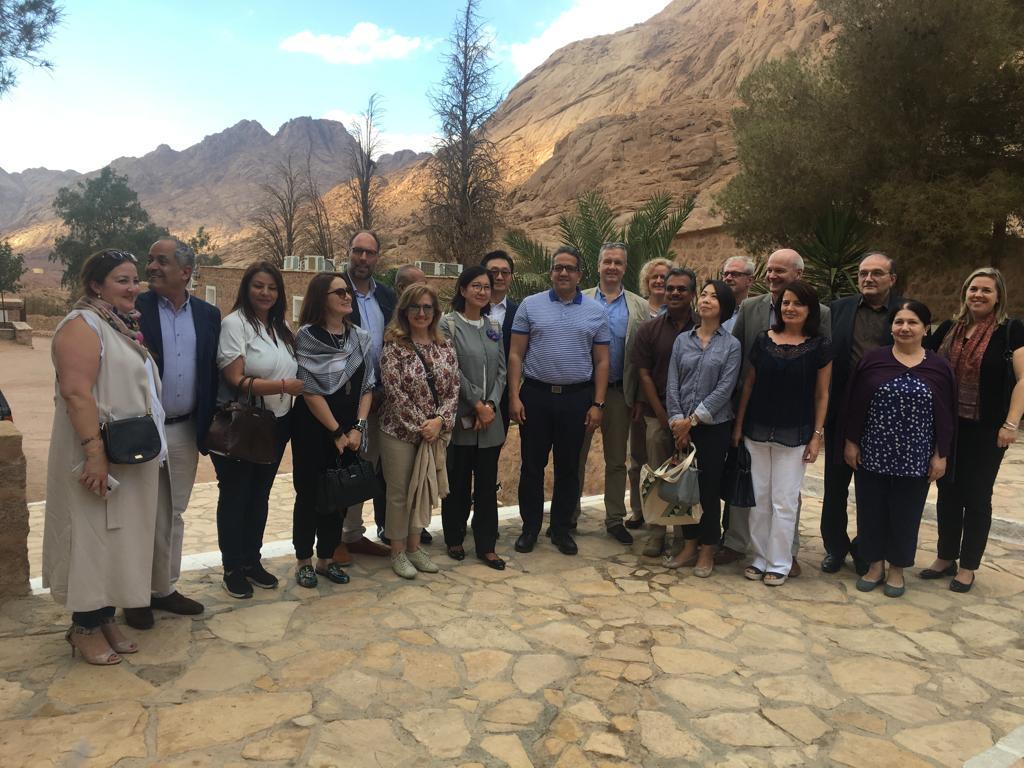 وزير الآثار وسفير 15 دولة فى جولة بـملتقى الأديان بسانت كاترين (4)