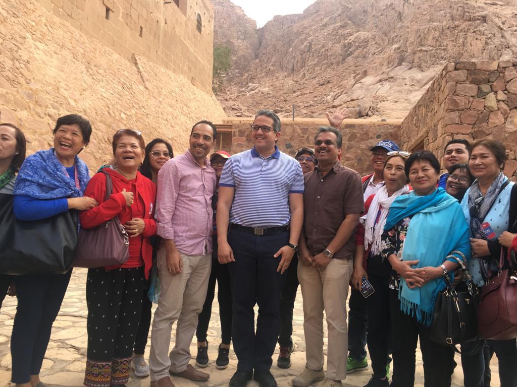 وزير الآثار وسفير 15 دولة فى جولة بـملتقى الأديان بسانت كاترين (5)