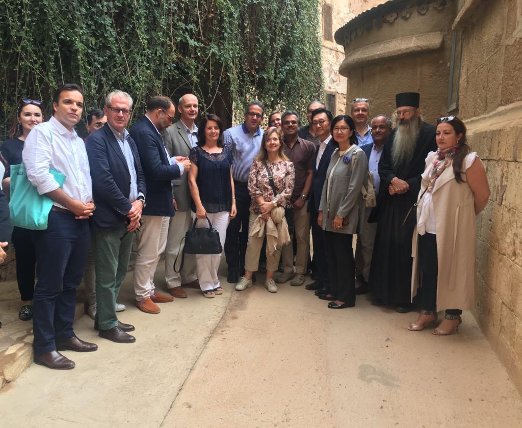 وزير الآثار وسفير 15 دولة فى جولة بـملتقى الأديان بسانت كاترين (1)