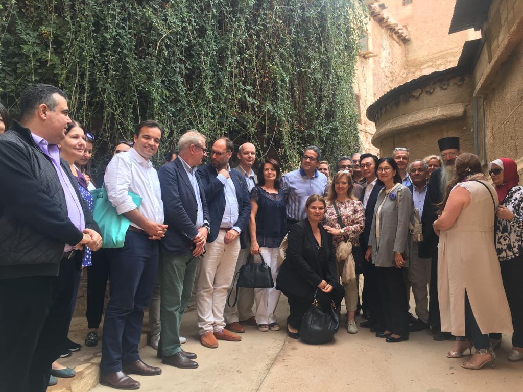 وزير الآثار وسفير 15 دولة فى جولة بـملتقى الأديان بسانت كاترين (2)