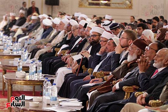 صور ختام أعمال المؤتمر العالمى الرابع للإفتاء (22)