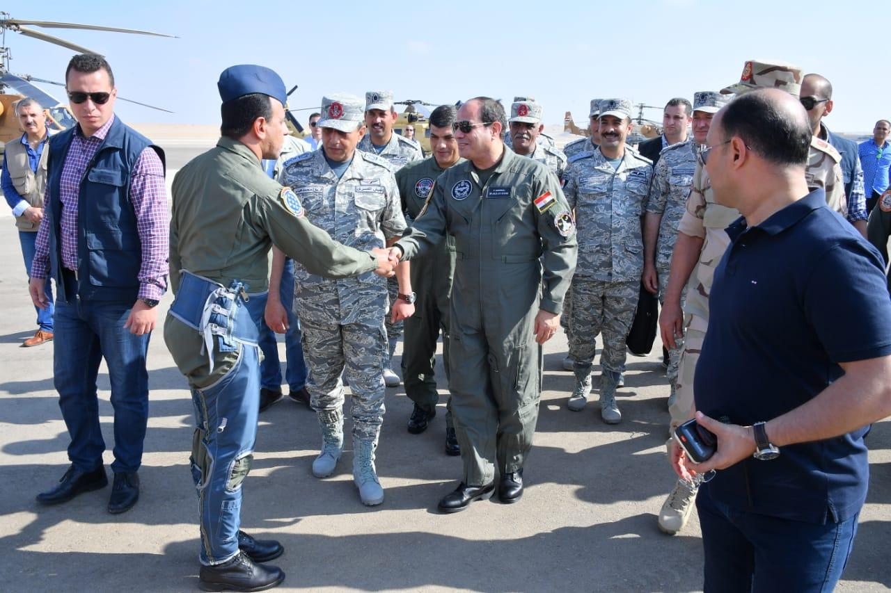 تفقد الرئيس السيسى لاحدى القواعد الجوية (10)