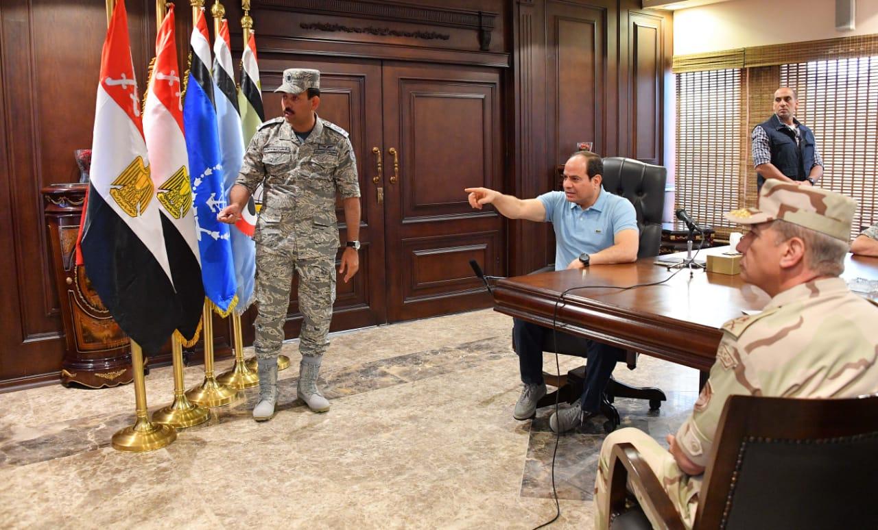 تفقد الرئيس السيسى لاحدى القواعد الجوية (3)
