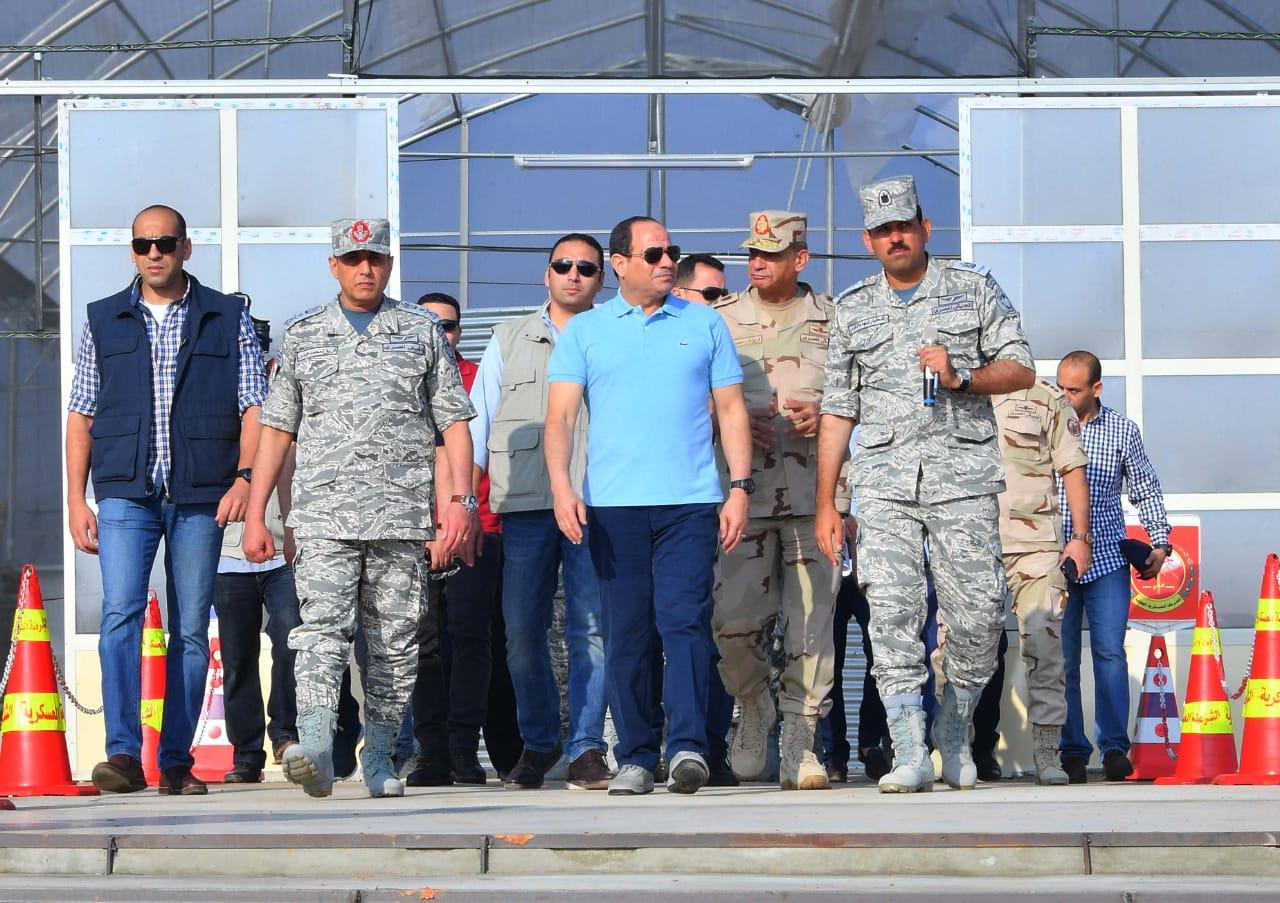 تفقد الرئيس السيسى لاحدى القواعد الجوية (4)