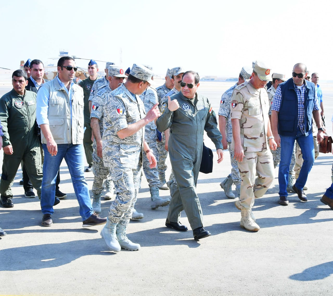 تفقد الرئيس السيسى لاحدى القواعد الجوية (11)