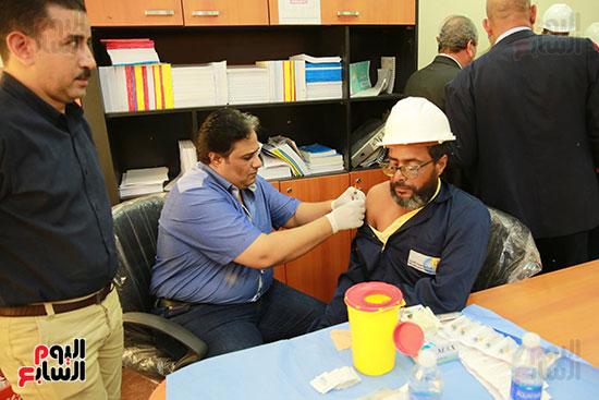 حملة للكشف الطبي بمحطة الصرف الصحي بكفر الشيخ