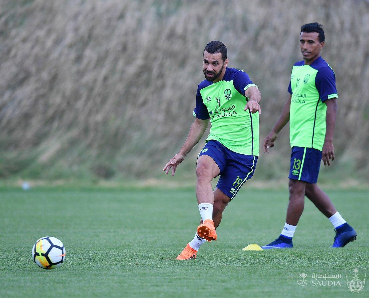 محمد عبد الشافي والسعيد في تدريبات الاهلى السعودي