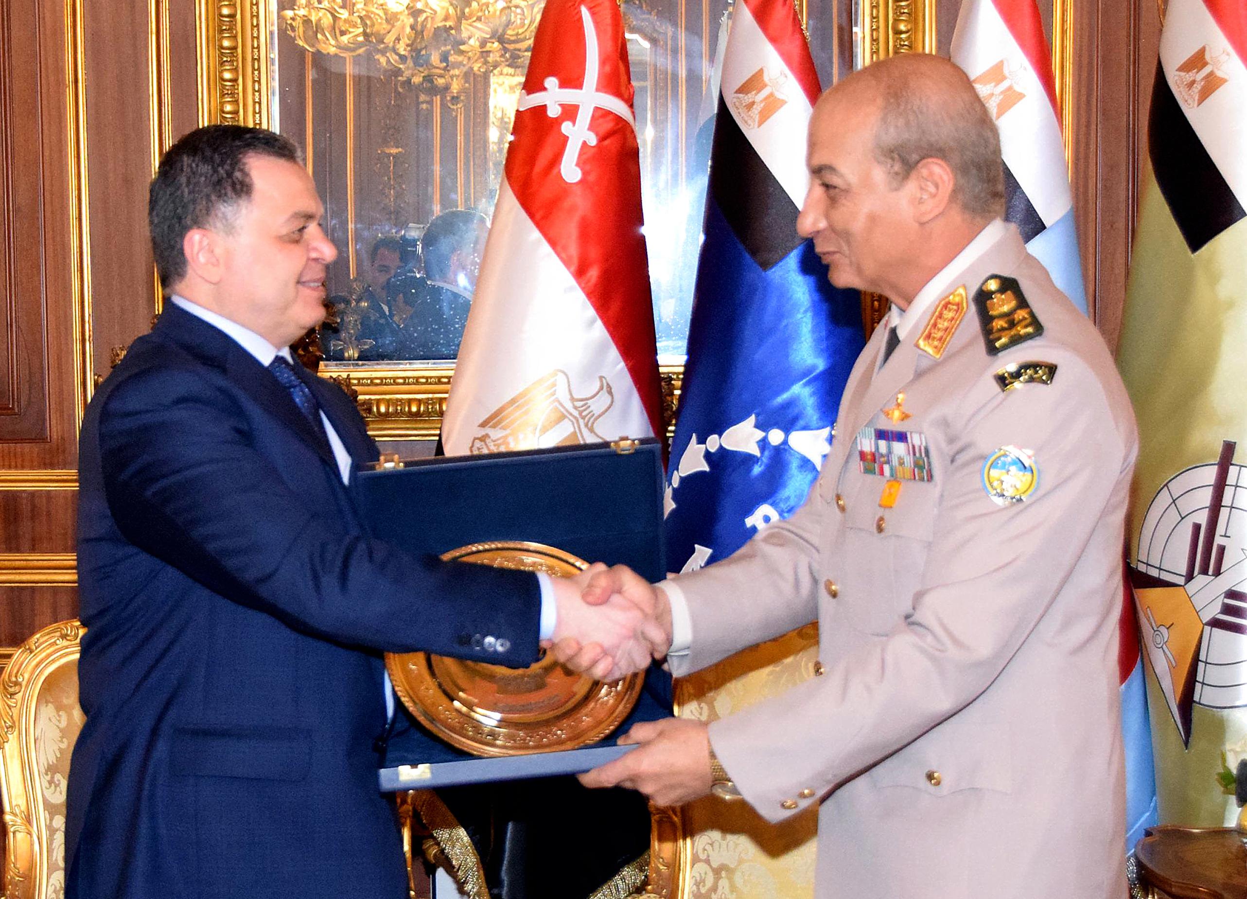 لقاء وزيرى الدفاع والداخلية (1)