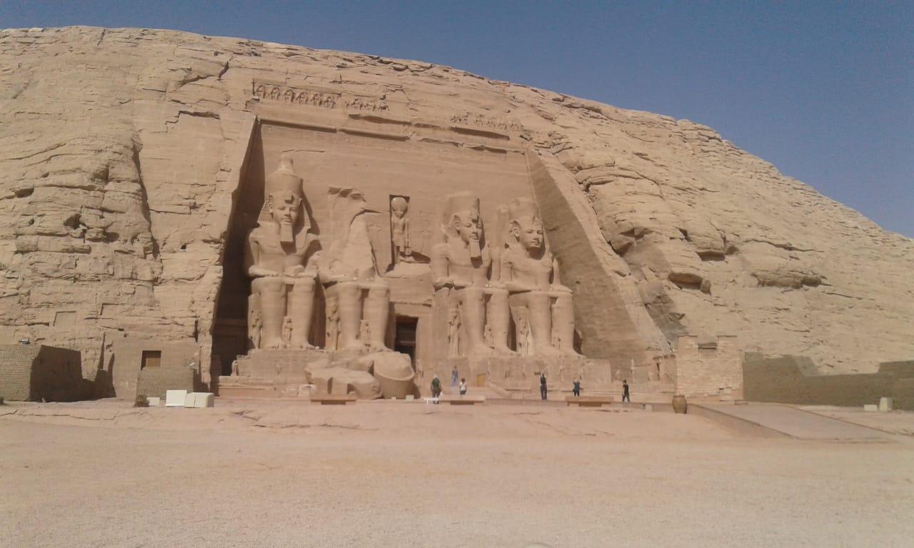 الآثار تستعد للاحتفال بتعامد الشمس على رمسيس الثانى (4)
