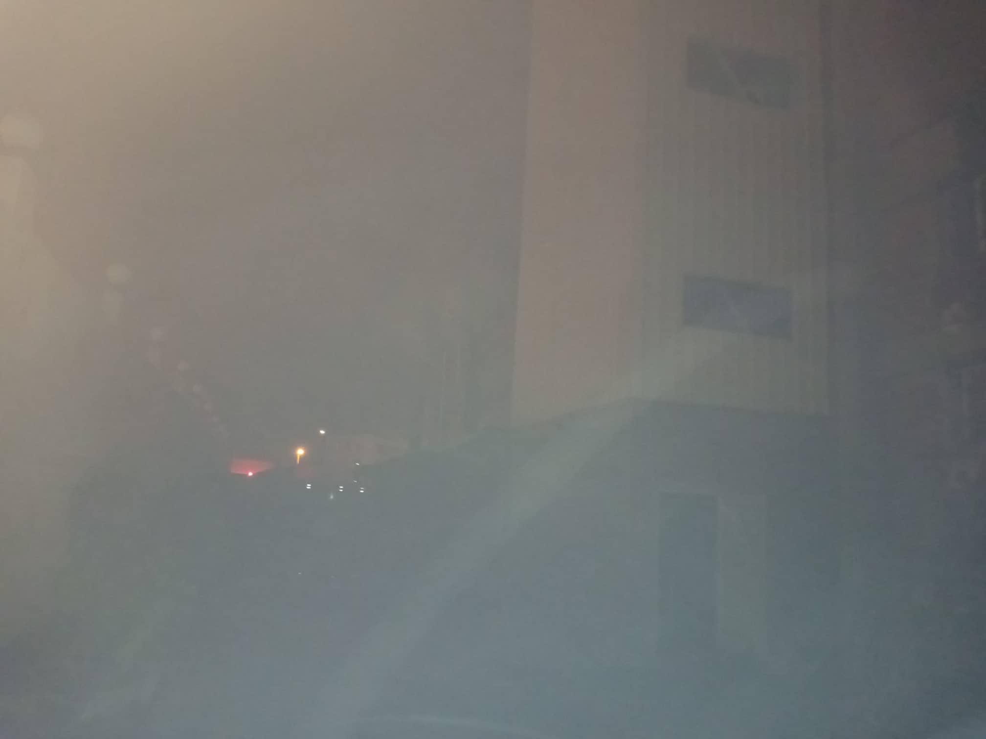 12 سيارة إطفاء للسيطرة على حريق بمصنع أدوات كهربائية بالعاشر من رمضان (3)