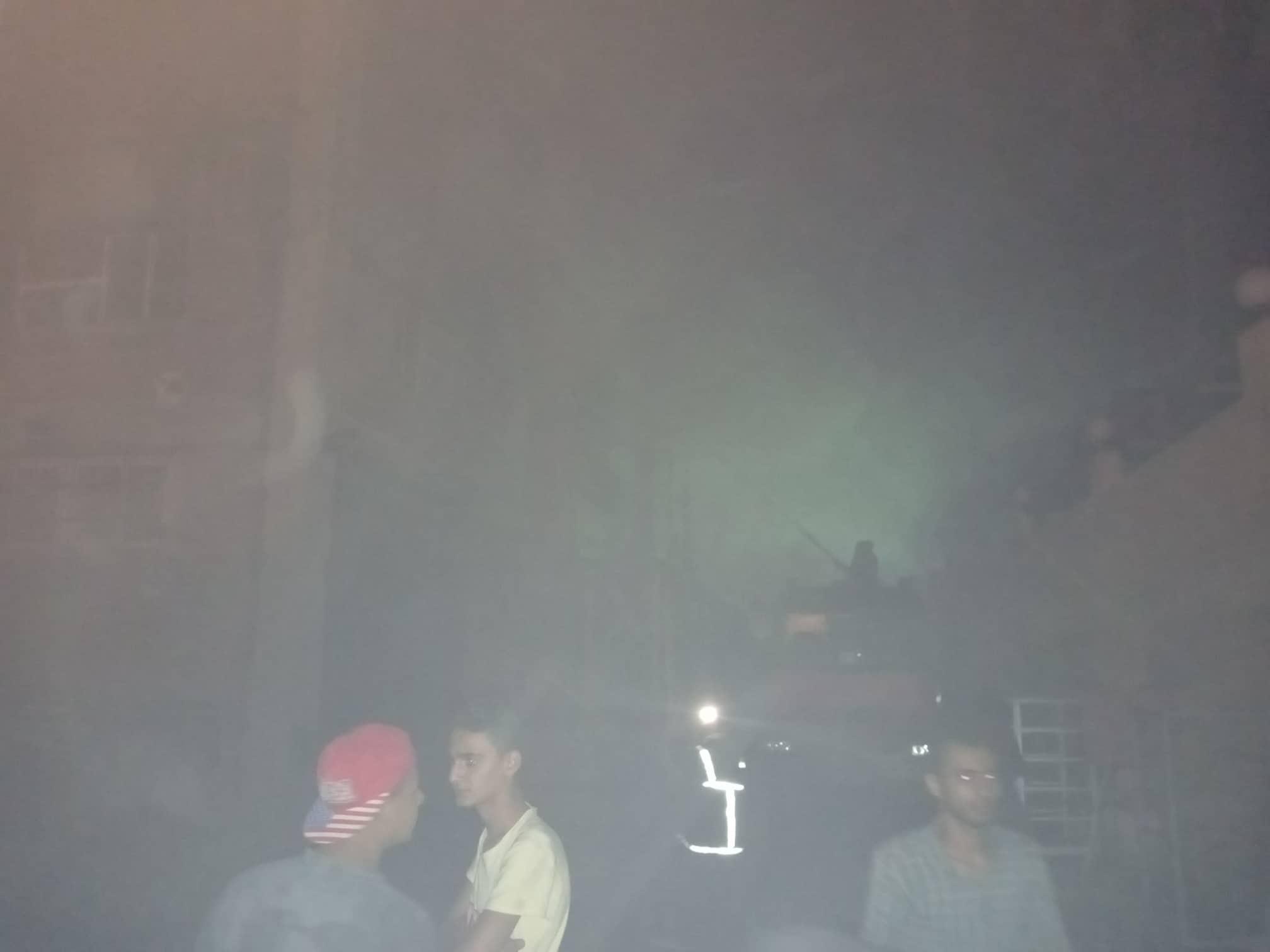 12 سيارة إطفاء للسيطرة على حريق بمصنع أدوات كهربائية بالعاشر من رمضان (5)