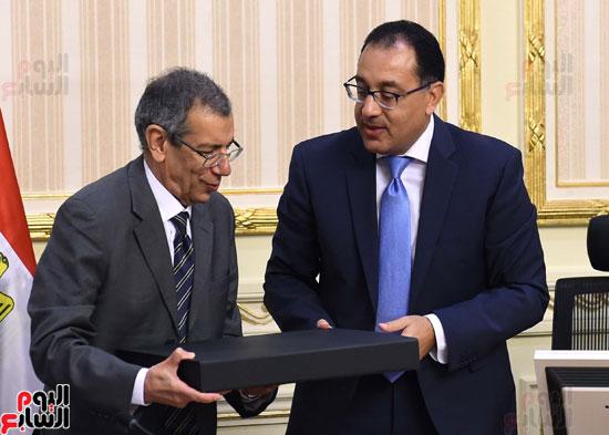 رئيس الوزراء ووفد وكالة الفضاء الأفريقية (6)