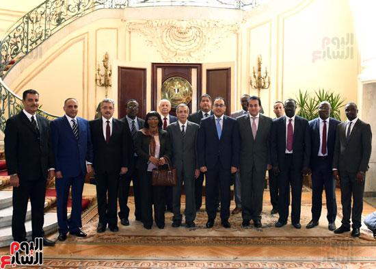 رئيس الوزراء ووفد وكالة الفضاء الأفريقية (8)