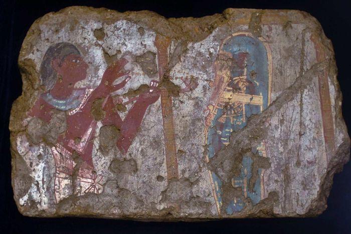 قطعة أثرية استعادتها مصر من اللوفر عام 2009