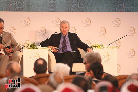 صور ندوة الدولية للأزهر حول الإسلام والغرب.. تنوعٌ وتكاملٌ (6)