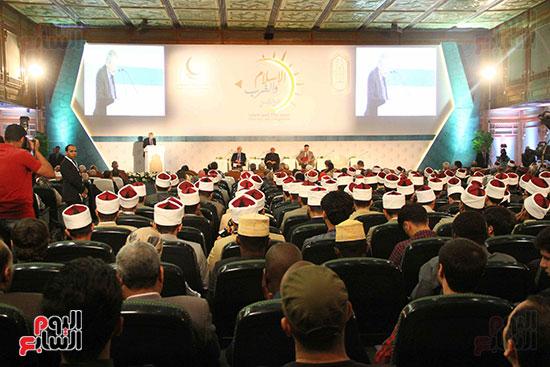 صور ندوة الدولية للأزهر حول الإسلام والغرب.. تنوعٌ وتكاملٌ (14)