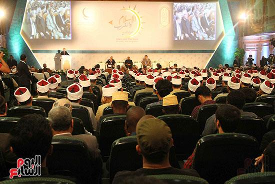 صور ندوة الدولية للأزهر حول الإسلام والغرب.. تنوعٌ وتكاملٌ (16)
