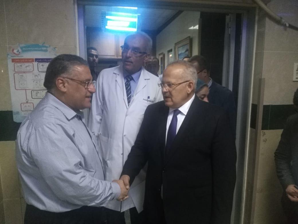 رئيس جامعة القاهرة يتفقد قصر العينى  (6)