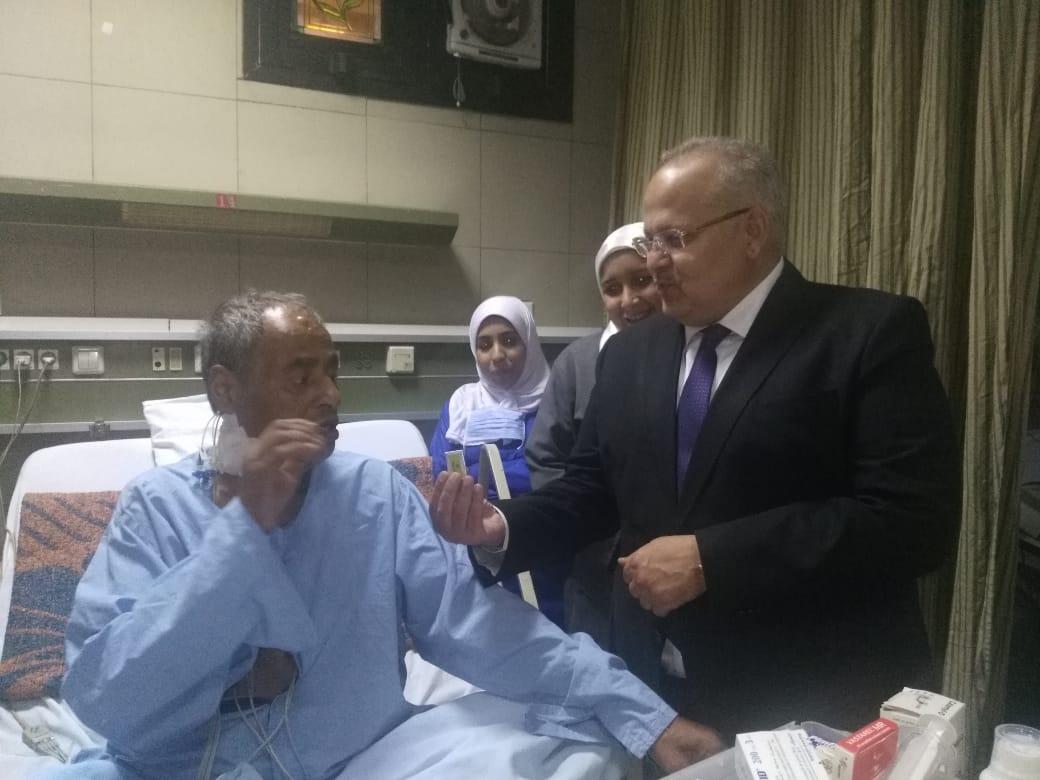 رئيس جامعة القاهرة يتفقد قصر العينى  (5)