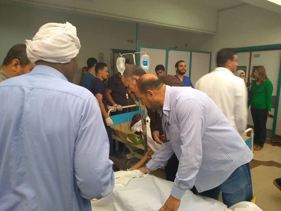 اسعاف المصابين فى مستشفى الاسماعيلية العام (1)