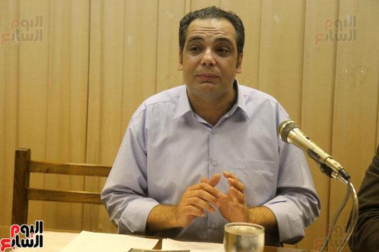 الناقد أحمد حسن عوض