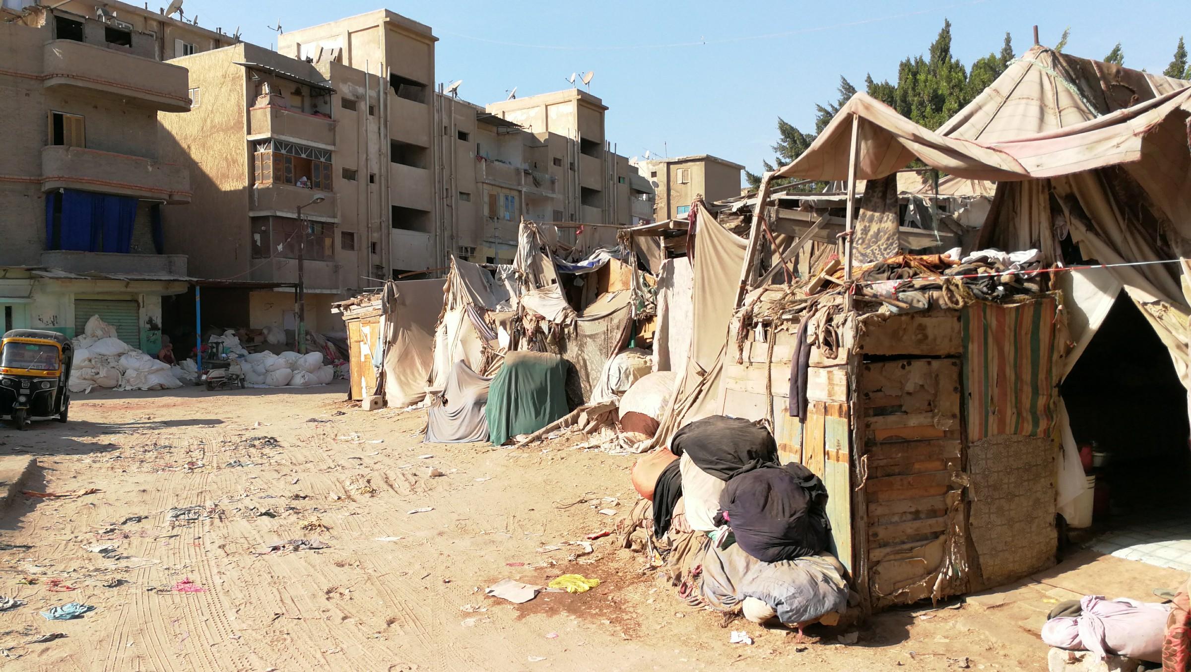سكان العشش بالمحلة (14)