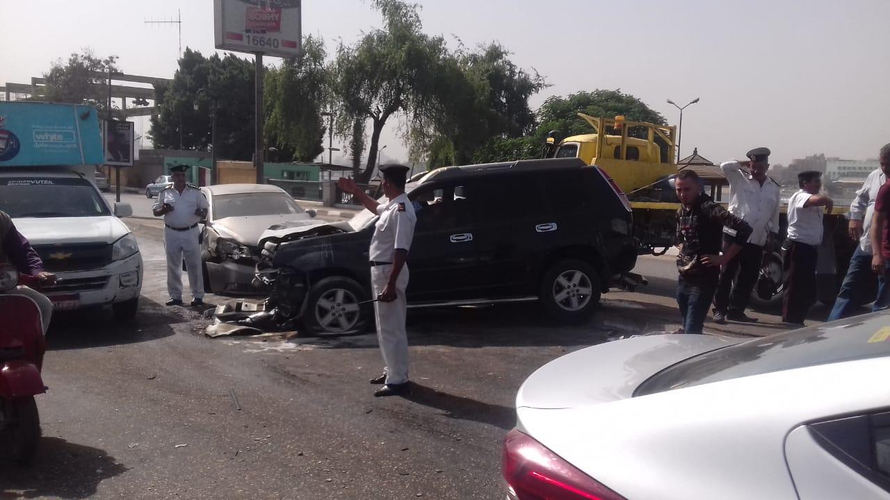 انتشار الخدمات المرورية بمحيط الحادث