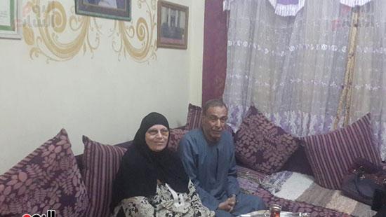 رقم-8--الدكتور-محمد-وزوجته
