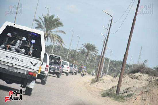 محافظ البحيرة يقود أكبر حملة إزالة على أملاك الدولة  بمركز إدكو (1)