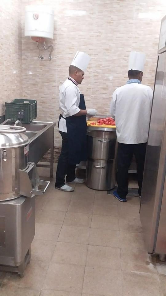 وكيل تموين الأقصر يقود حملة مفاجئة علي مخزن الأغذية ومطبخ مستشفي الأقصر العام (3)