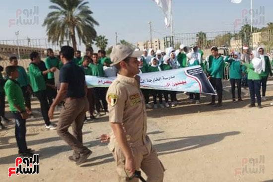 عروض-عسكرية-ومسيرة-بالسيارات-المصلحية-في-احتفالية-محافظة-الوادى-الجديد-(2)