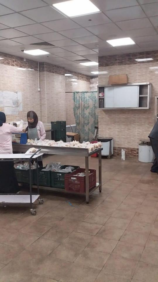 وكيل تموين الأقصر يقود حملة مفاجئة علي مخزن الأغذية ومطبخ مستشفي الأقصر العام (2)