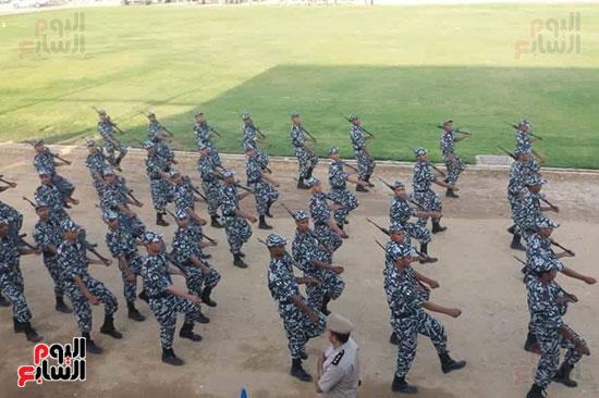 عروض-عسكرية-ومسيرة-بالسيارات-المصلحية-في-احتفالية-محافظة-الوادى-الجديد-(4)