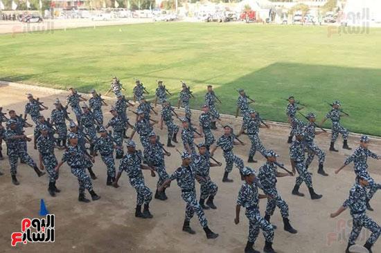 عروض-عسكرية-ومسيرة-بالسيارات-المصلحية-في-احتفالية-محافظة-الوادى-الجديد-(3)