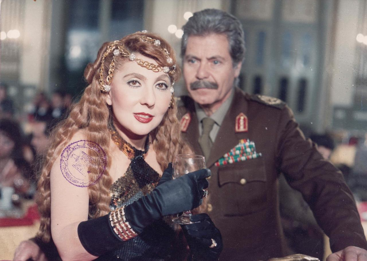 نجمة الجماهير مع حسين فهمي الذي يكرم في المهرجان