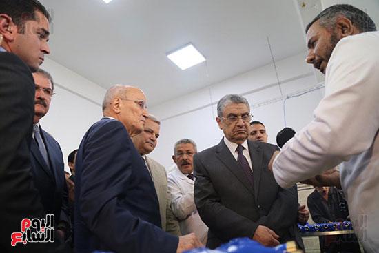 افتتاح وزير الكهرباء والانتاج الحربى مصنع عدادات الكهرباء (62)