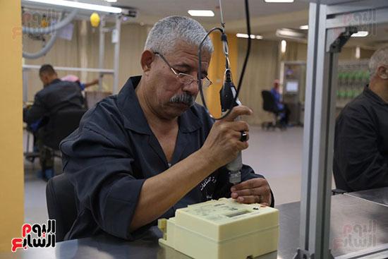 افتتاح وزير الكهرباء والانتاج الحربى مصنع عدادات الكهرباء (29)