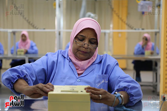 افتتاح وزير الكهرباء والانتاج الحربى مصنع عدادات الكهرباء (28)