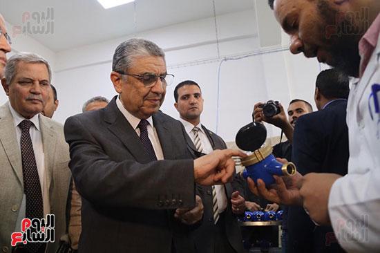افتتاح وزير الكهرباء والانتاج الحربى مصنع عدادات الكهرباء (64)