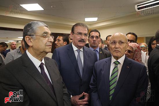 افتتاح وزير الكهرباء والانتاج الحربى مصنع عدادات الكهرباء (52)