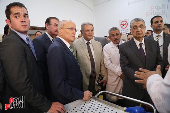 افتتاح وزير الكهرباء والانتاج الحربى مصنع عدادات الكهرباء (63)