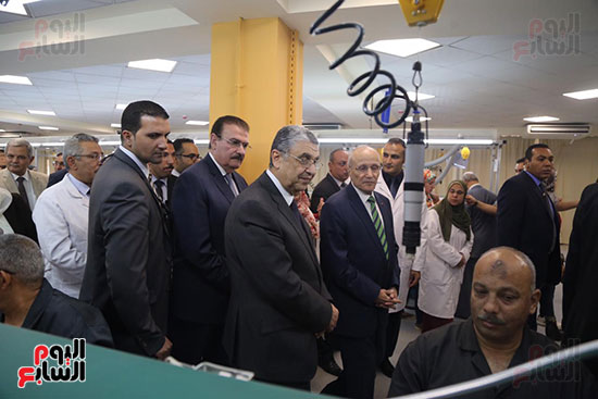 افتتاح وزير الكهرباء والانتاج الحربى مصنع عدادات الكهرباء (36)