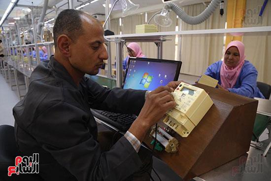 افتتاح وزير الكهرباء والانتاج الحربى مصنع عدادات الكهرباء (31)