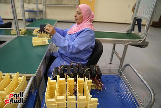 افتتاح وزير الكهرباء والانتاج الحربى مصنع عدادات الكهرباء (15)