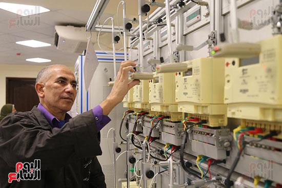 افتتاح وزير الكهرباء والانتاج الحربى مصنع عدادات الكهرباء (43)