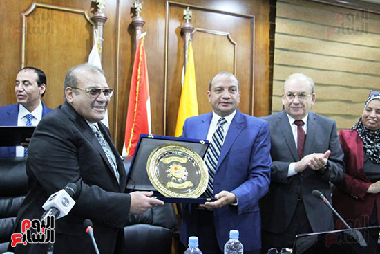 اتفاقية تعاون أكاديمى بين جامعتى بنى سويف وسيناء (9)